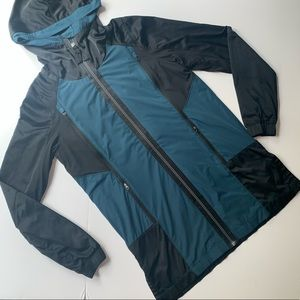 Lululemon- Rare Right Round Rain Jacket